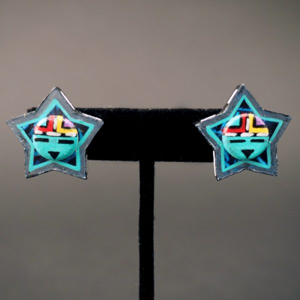 Wooden Star Earrings by Nuva Sekakuku